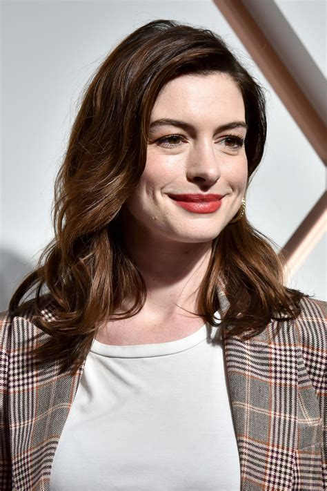 Anne Hathaway – The Shops & Restaurants at Hudson Yards ...