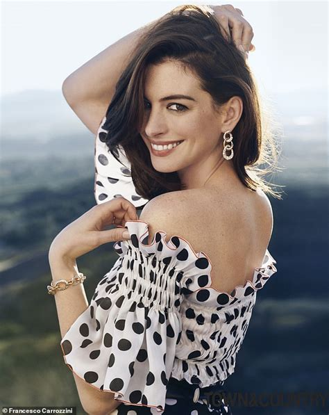 Anne Hathaway says she s  grateful  for Instagram | Daily ...