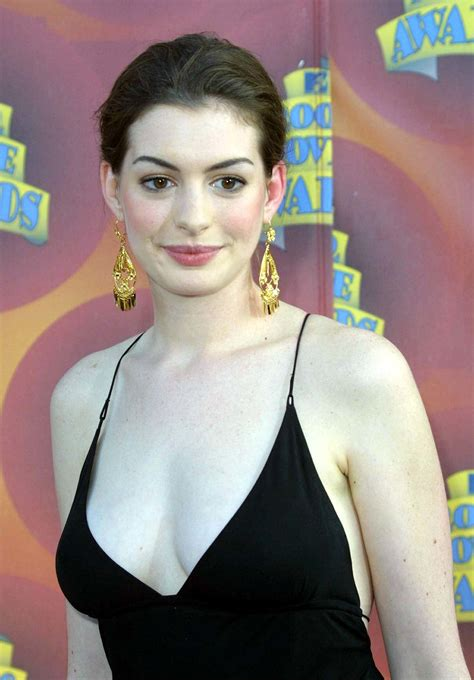 Anne Hathaway | What 20 Starlets Were Doing at Age 20 ...
