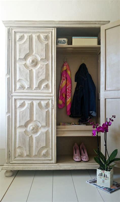 Antes y después de un armario antiguo para la entrada ...