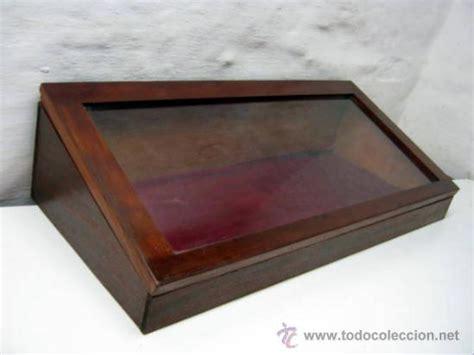 Antigua gran vitrina expositor   68 x 29,8 cm     Vendido ...