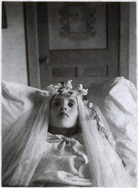 Antiguas fotos extrañas y aterradoras | Marcianos