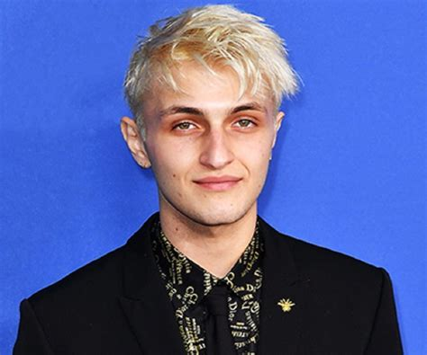 Anwar Hadid Biography   Facts, Childhood, Family of ...