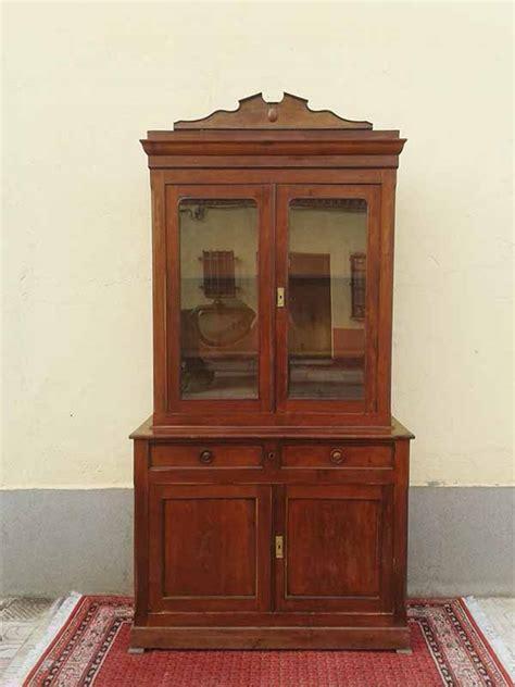 Aparador antiguo, alacena o vitrina antigua estilo ...
