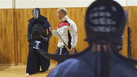 Aprendiendo Kendo con la Escuela Zanshin de Madrid   YouTube