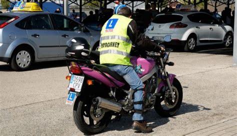 Aprovecha el confinamiento y prepara el carnet de moto