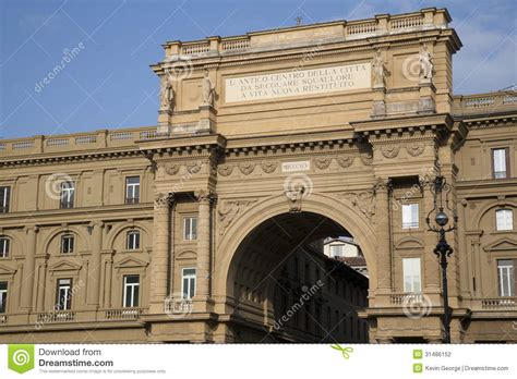 Arch Of The Piazza Della Republica, Florence Stock Photo ...