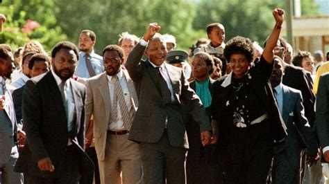 Archive: Nelson Mandela released from prison   BBC News