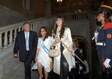 Archivo:Néstor Kirchner Cristina Fernández de Kirchner y ...