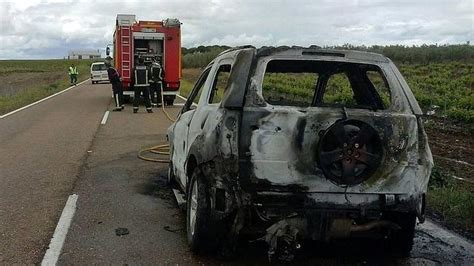 Arde un vehículo en la Ex 310, entre Valverde de Leganés y ...