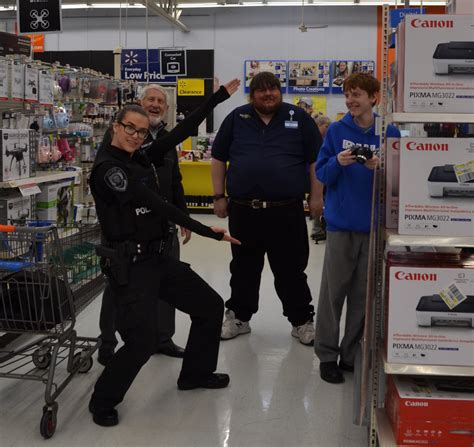 Area students, officers enjoy annual 'Shop With A Cop ...