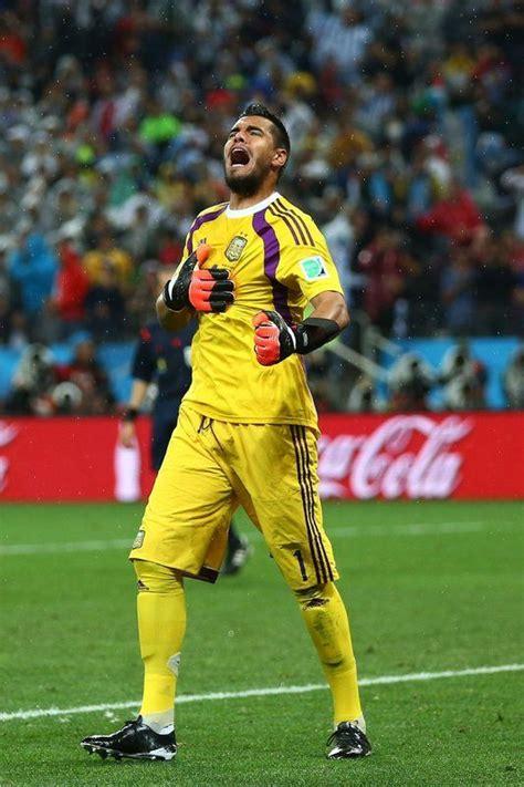 Argentina 0  4  vs Holanda 0  2   6.9.2014    El Nuevo ...
