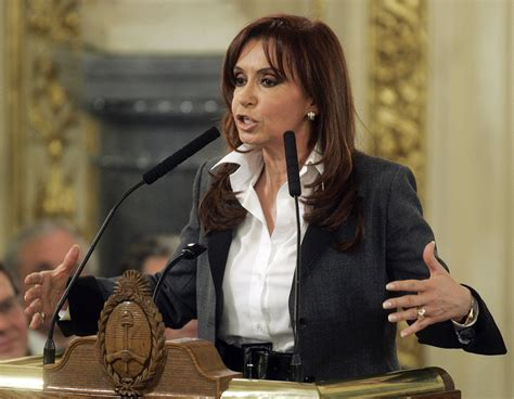 Argentina s president urges to ratifying soy export tax