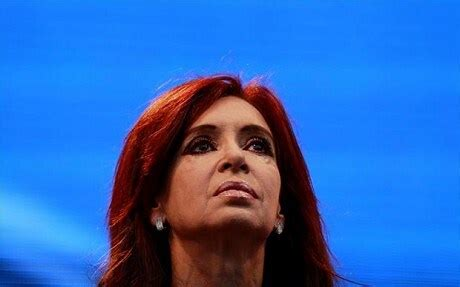 Argentina s president will use Falklands as key to re election