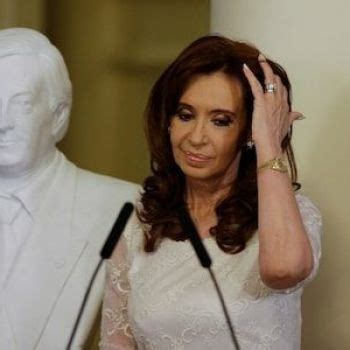Argentine judge issues arrest warrant for Cristina ...