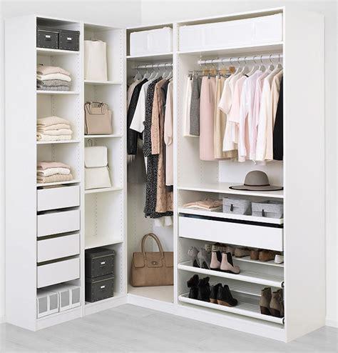 Armario esquinero Ikea para aprovechar bien tu dormitorio