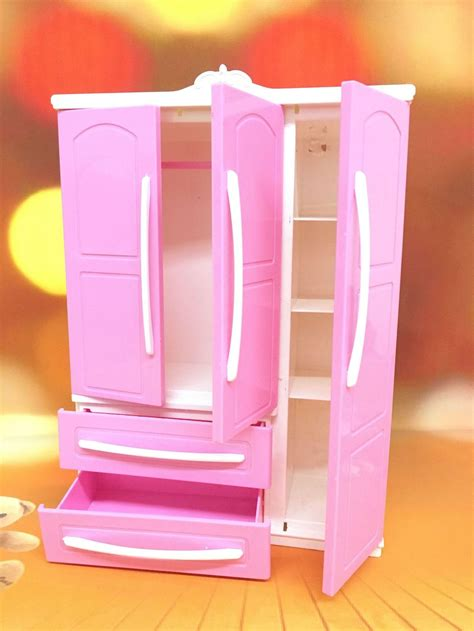 Armario ropero moderno de tres puertas para muñecas ...