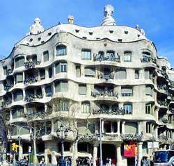 Arquitectura modernista : Autor : Antonio Gaudí Nombre ...