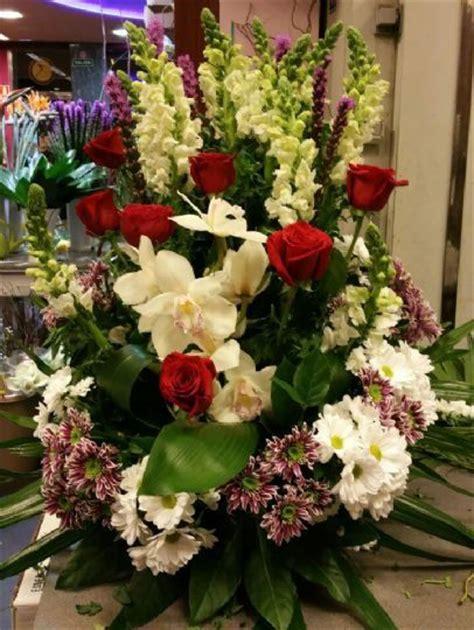 Arreglo de flores para difuntos y envío a la funeraria de ...