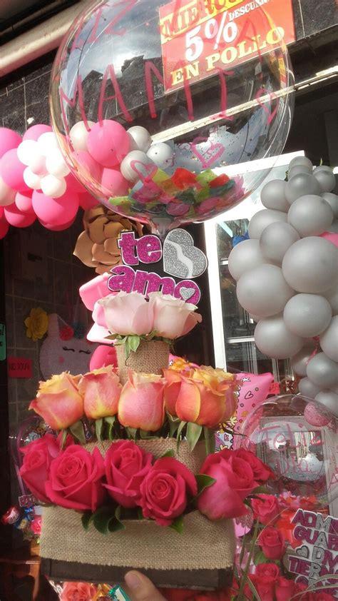 Arreglo floral con globos | Globos, Cajas de regalo, Cajas ...