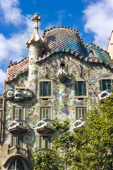 Art Nouveau Architecture, Great Examples & How It Differs ...