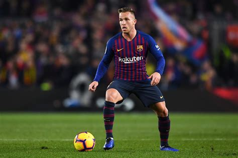 Arthur gives Barcelona another glimpse into the future ...