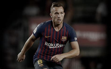 Arthur | Player page for the Midfielder | FC Barcelona ...