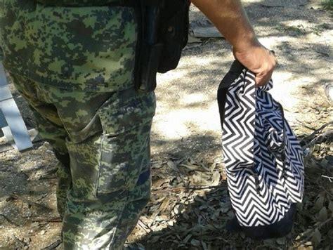 Aseguran mochila con diversas dosis de droga | EL DEBATE