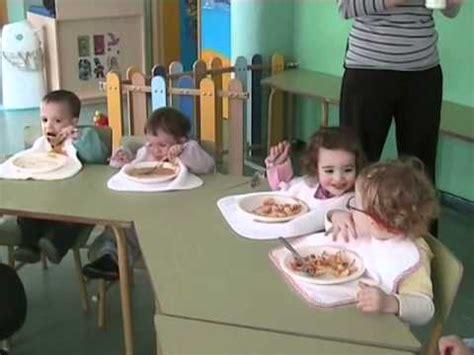 Así comen los niños y niñas del aula de caracoles y ...
