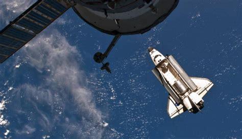 Astrónomos descubren una extraña forma flotando en el ...