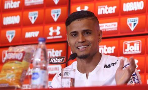 Atacante do São Paulo é acusado de agredir jovem de 21 ...