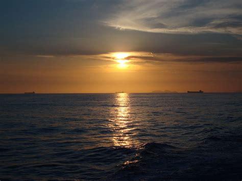 Atardecer en el mar Imagen & Foto | paisajes, atardeceres ...