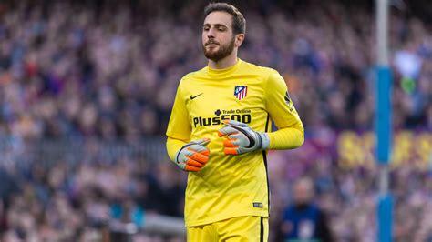 Atletico Madrid keeper pens new deal   ITV News