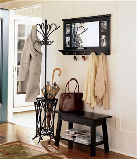 Auction Decorating: Small entryway solution    at auction !
