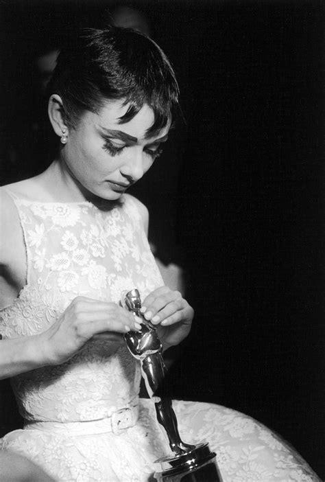 Audrey at the Oscars   Audrey Hepburn Photo  5202117    Fanpop