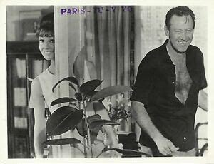 AUDREY HEPBURN & WILLIAM HOLDEN in  Paris When it Sizzles ...