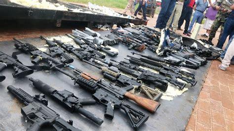 Autoridades de Colombia encuentran escondite de armas de ...
