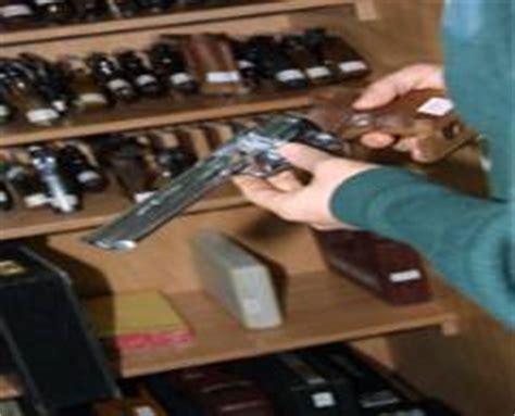 Autorizaciones que amparan las armas
