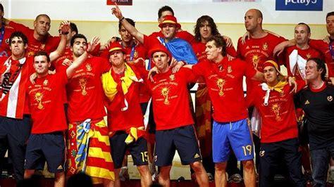 «Avenida Campeones del Mundo de Fútbol 2010»   ABC.es