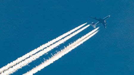 Aviation's dirty secret: Airplane contrails are a ...