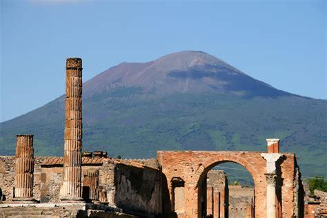 Avventure Bellissime | Facts About Mount Vesuvius & Pompeii
