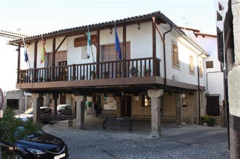 Ayuntamiento.   San Martín de Trevejo