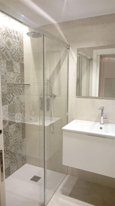 Azulejo y ducha   Baño en 2019   Baños elegantes modernos ...