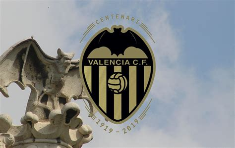 Badge of the Week: Valencia C.F.   Box To Box Football
