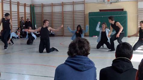 Baile IES Alameda de Osuna 2013   YouTube
