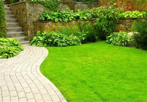 Banco de Imágenes: 9 fotos de jardines, diseño exterior ...