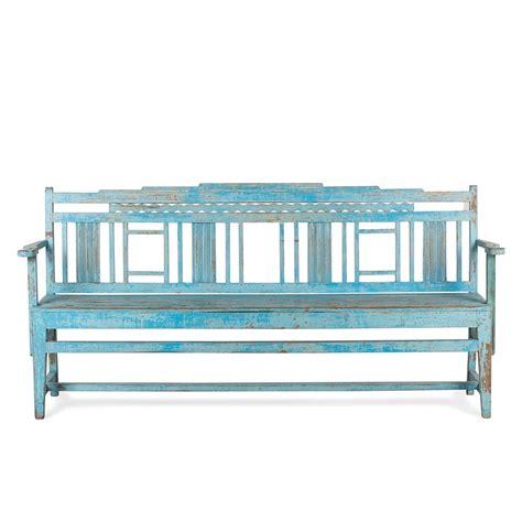 Banco de madera azul decapado. Un bonito y versátil asiento.