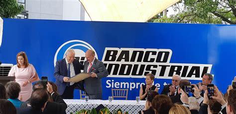 Banco Industrial homenajea a Salvador Díaz Bazán   Diario1