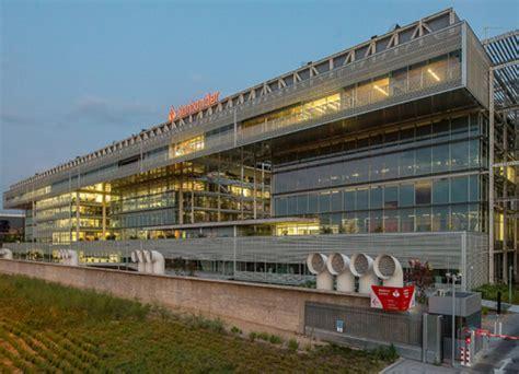 Banco Santander reubica a cientos de empleados en Madrid ...