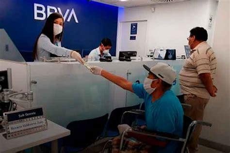 Bancos peruanos deben aceptar carnet de solicitante de refugio